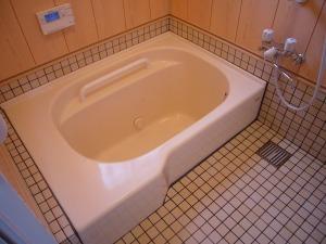 腰掛けスペースがある浴槽