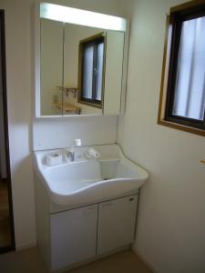 コンパクトタイプの洗面化粧台