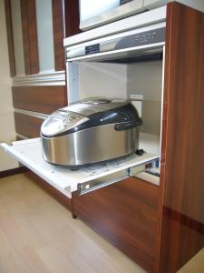 スライド式の炊飯器スペース