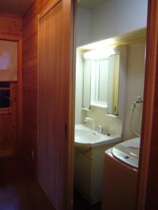 1階の押入れをリフォームして洗面・洗濯機スペースに