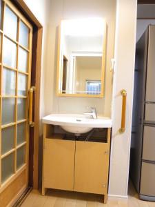 薄型、省スペースの洗面化粧台