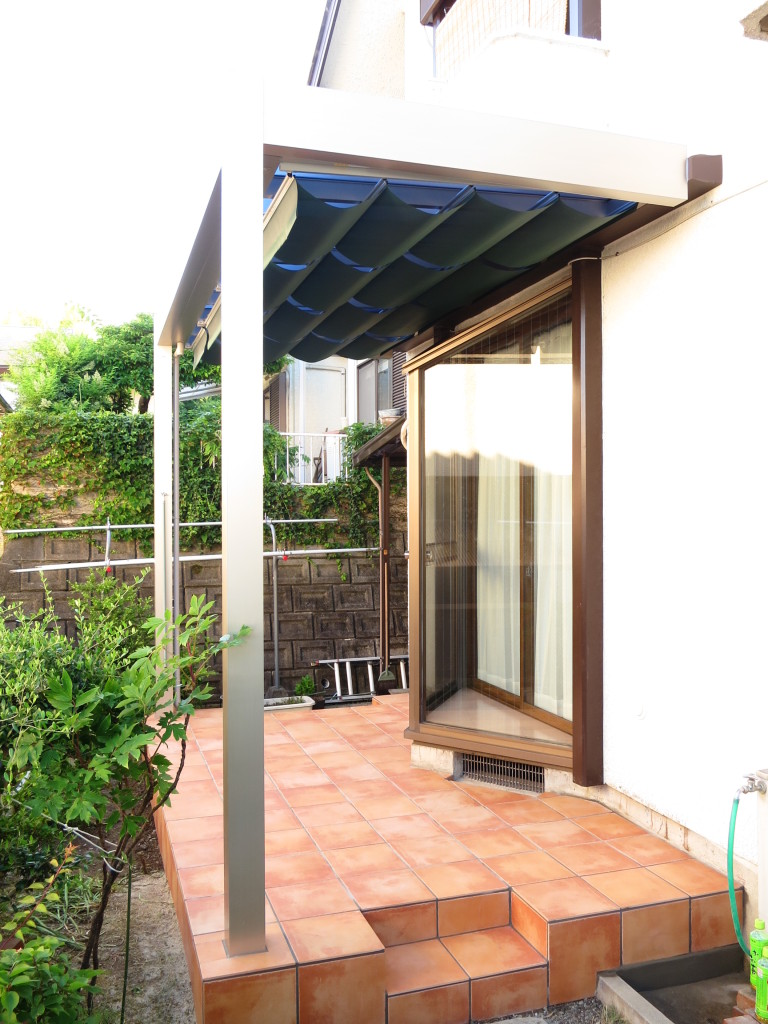 遮熱効果の高いテラス屋根 アウトドアリビング