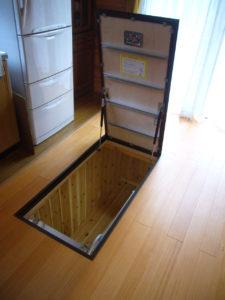 床下に貯蔵スペースを作ったリフォーム